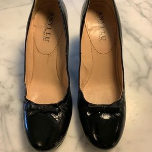 Anyi Lu Black Patent Leather Pumps w/Accent Heel